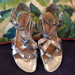 Reaction Kenneth Cole Silver Strappy Sandals
